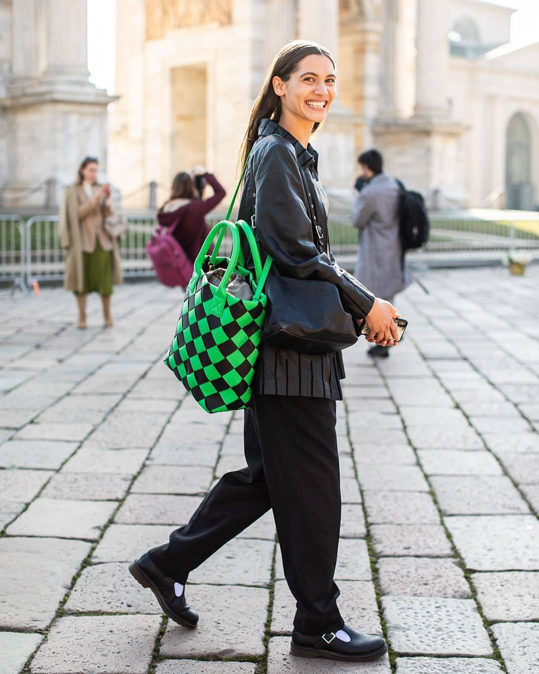 bag shoulder bag maxi bag bottega veneta black shoes black pants black leather jacket black bag
