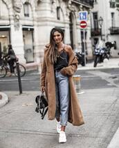 coat,brown coat,faux fur coat,double breasted,white sneakers,jeans,denim,black bag,backpack,black top