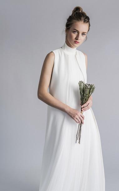 Sophie et Voila Classic Sleeveless Vest Size: 34 in white