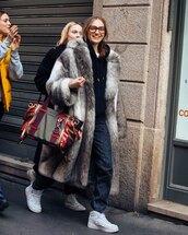 coat,faux fur coat,sneakers,white sneakers,boyfriend jeans,hoodie,bag