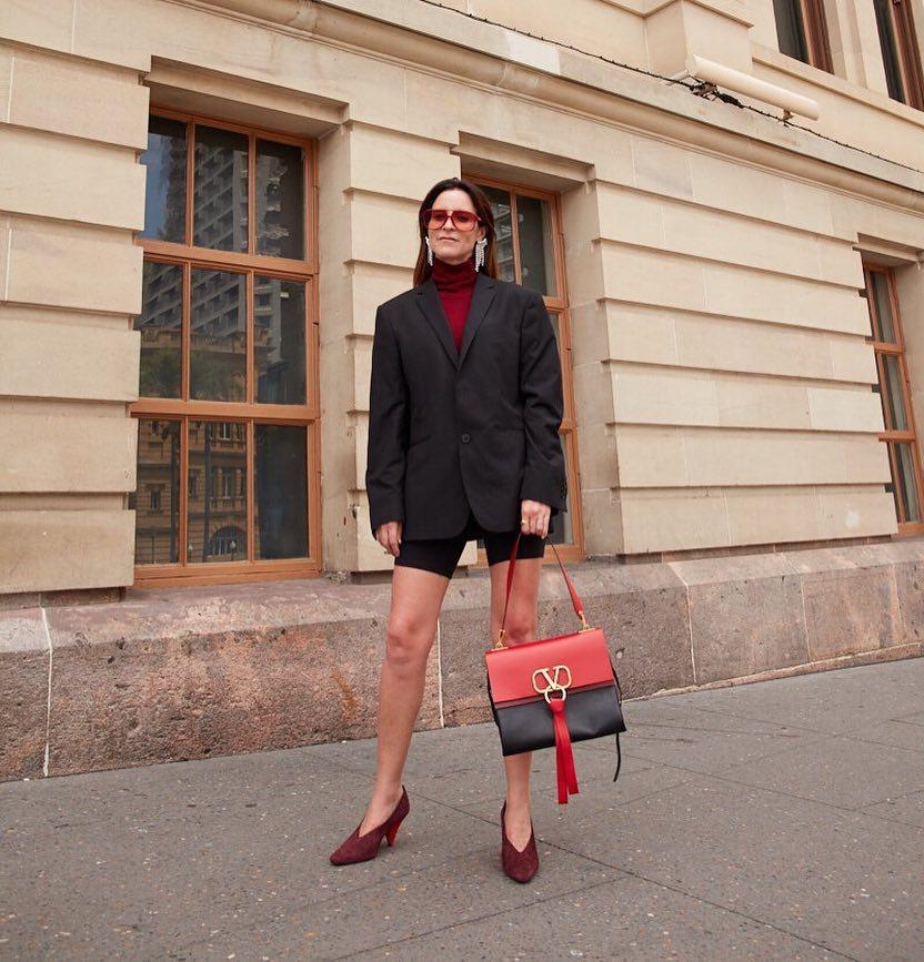 bag leather bag shoulder bag Valentino pumps black shorts black blazer oversized turtleneck