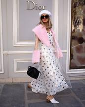 dress,white dress,maxi dress,polka dots,mules,black bag,handbag,pvc,trench coat,fur,beret