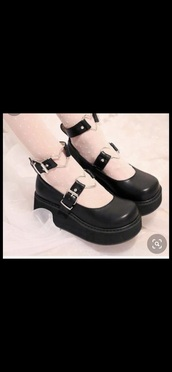 shoes,black,goth,platform shoes,platform sandals,heart