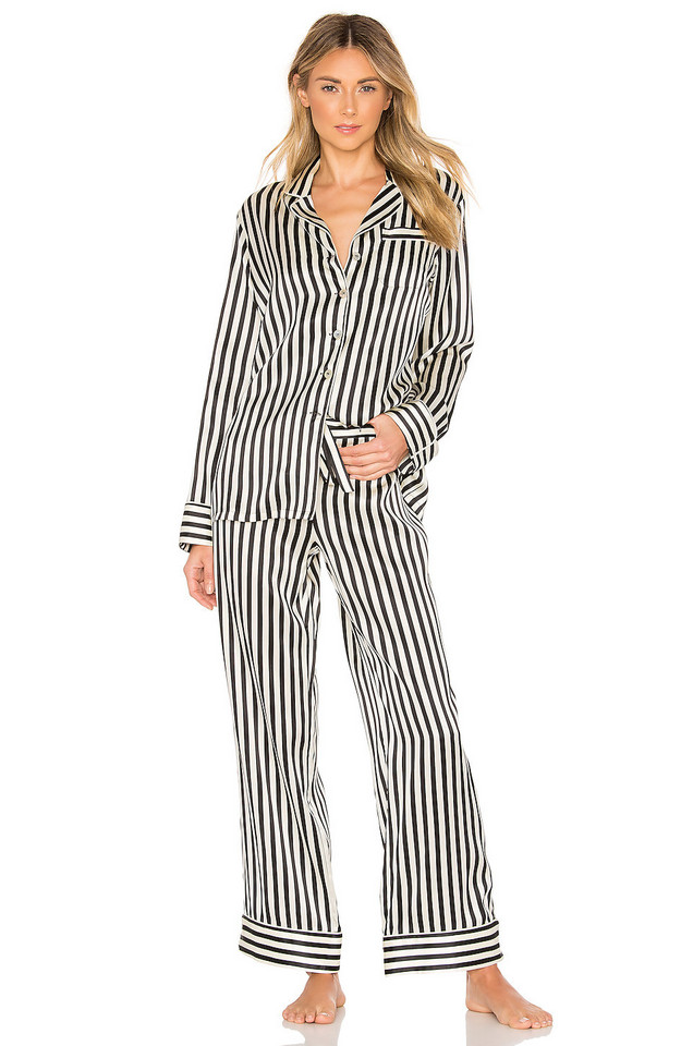 Olivia von Halle Lila Silk Pajama Set in black / white