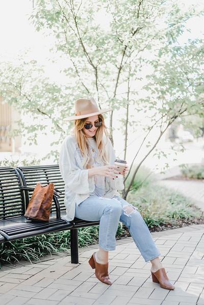 blonde bedhead blogger jeans shorts top t-shirt leggings shoes hat bag jewels