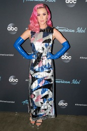 shoes,metallic,dress,celebrity,katy perry