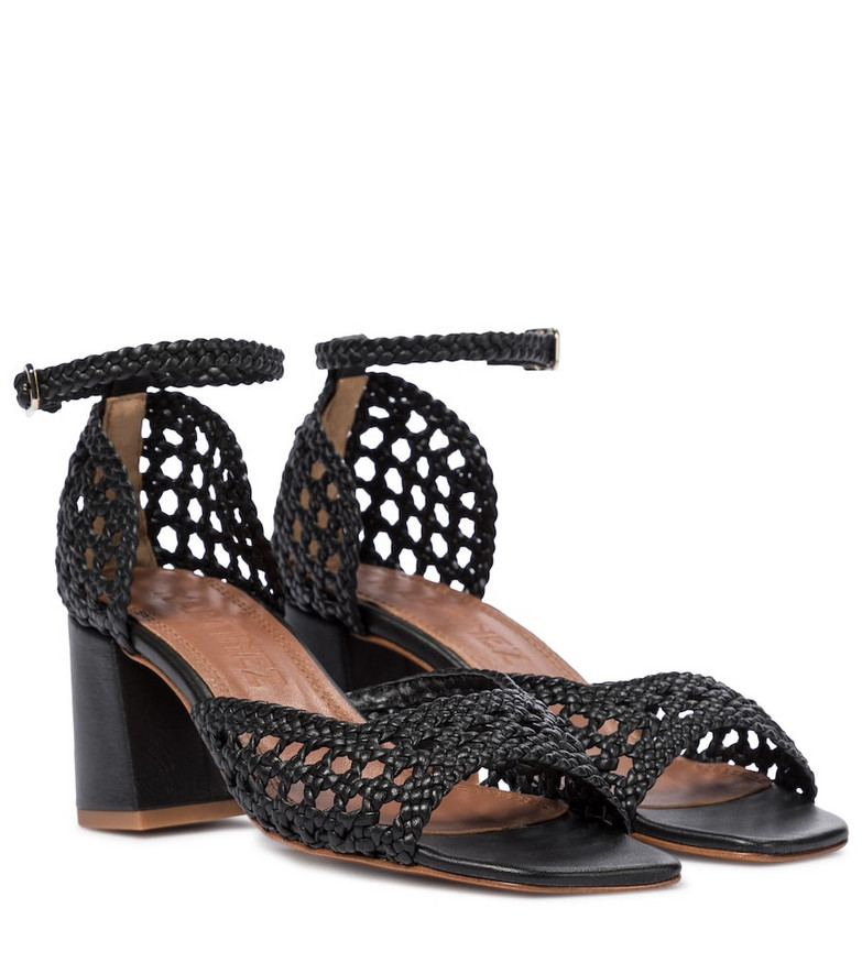 Souliers Martinez Procida 65 woven leather sandals in black