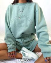 sweater,shorts