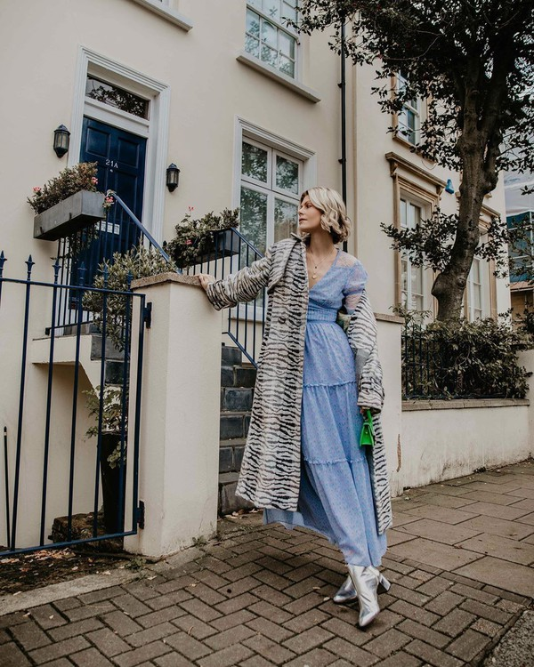 dress maxi dress blue dress long sleeve dress boots long coat green bag