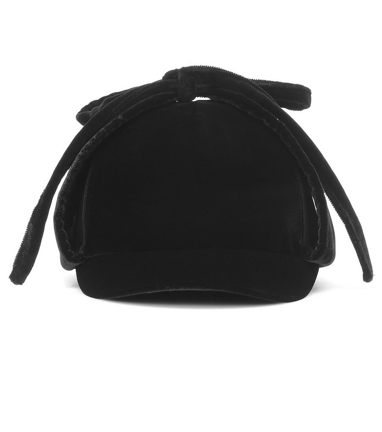 Miu Miu Velvet hat in black