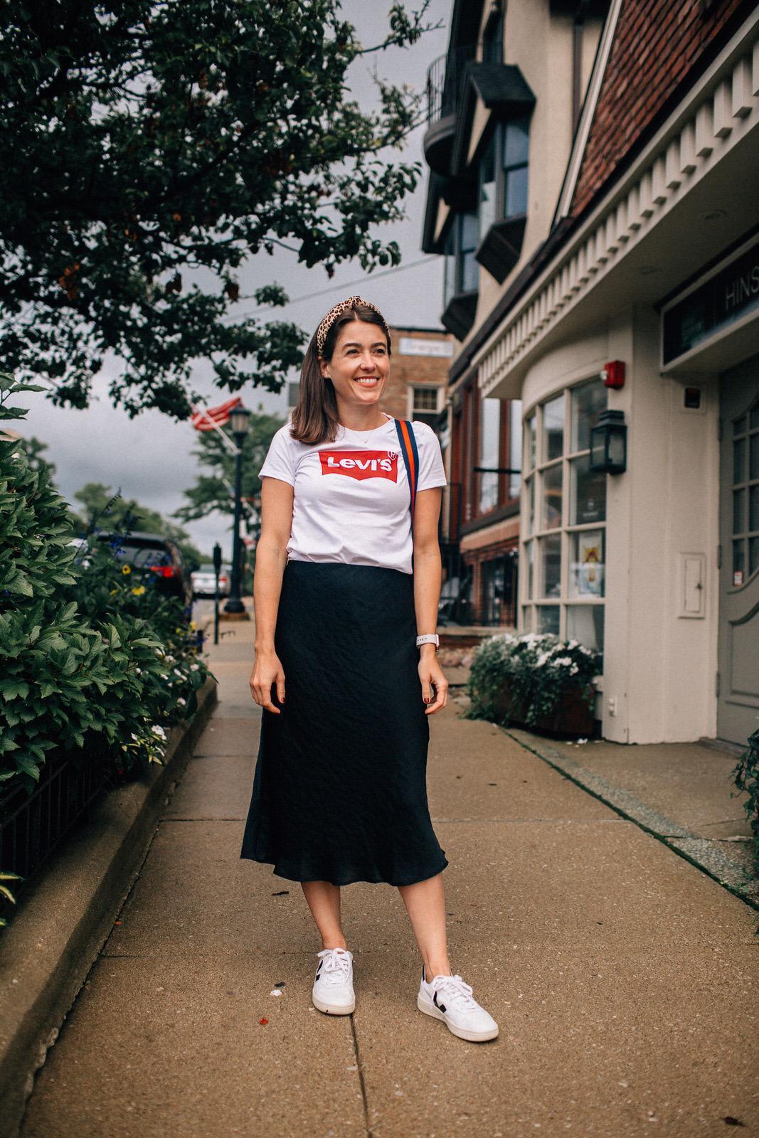 sequins and stripes blogger t-shirt skirt bag shoes