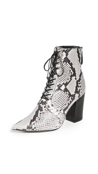 Self Portrait Amelia Lace Up Ankle Boots in black / natural