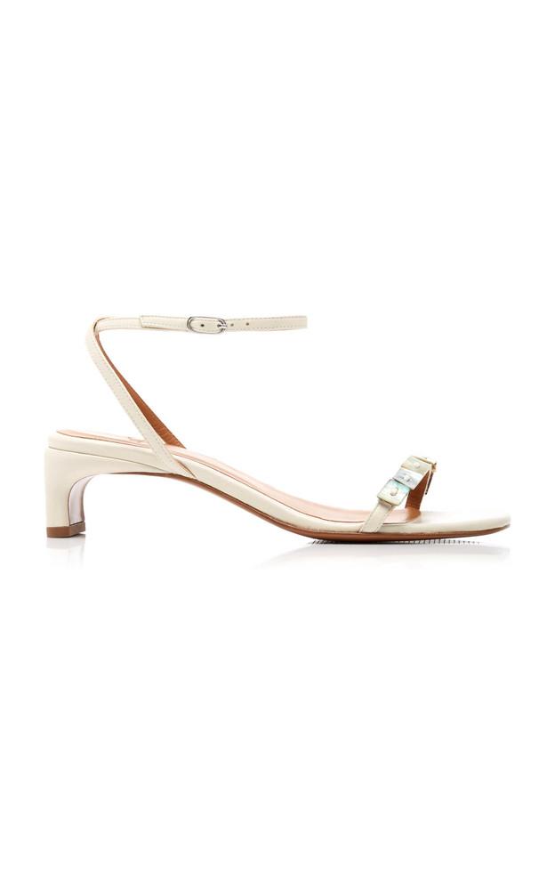 LoQ Perla Leather Sandals in white