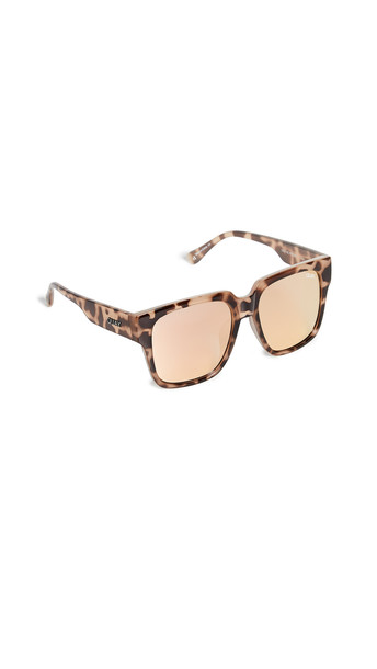 Quay On The Prowl Sunglasses in rose