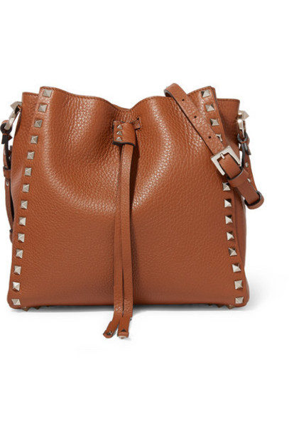 Valentino - Valentino Garavani Rockstud Small Textured-leather Bucket Bag - Brown