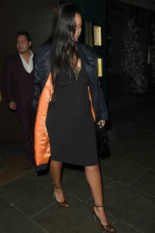 shoes rihanna celebrity midi dress black dress pumps bodycon dress