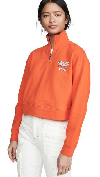 Wrangler 1/4 Zip Sweatshirt in orange
