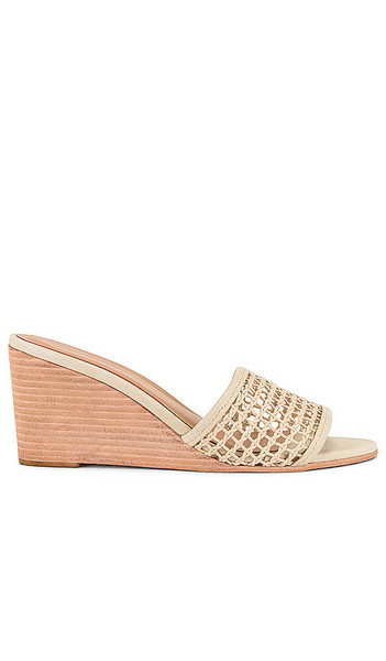 Kaanas Pipa Wedge in Ivory in natural