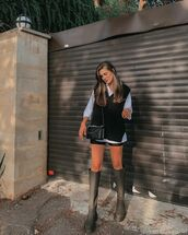sweater,knitted sweater,knee high boots,black shorts,white shirt,black bag