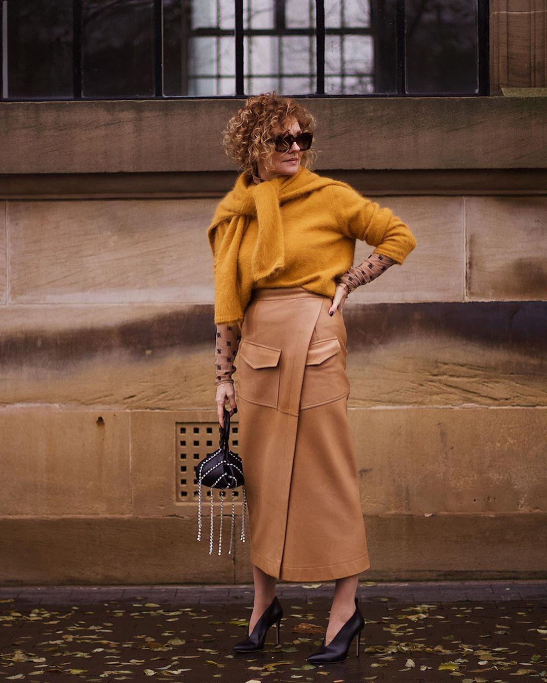 sweater skirt wrap skirt leather skirt pumps handbag