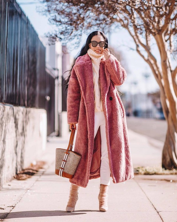 shoes suede pumps jimmy choo white pants shoulder bag teddy bear coat pink coat white sweater turtleneck sweater