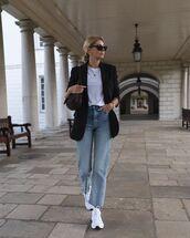 jeans,denim,blue jeans,blazer,black blazer,t-shirt