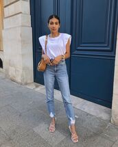 top,white top,white sandals,high waisted jeans,crossbody bag
