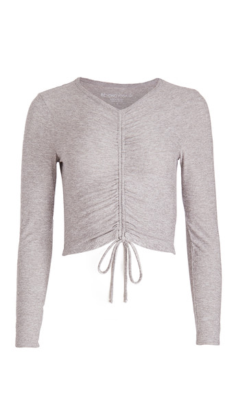 Beyond Yoga Scrunch It Up Cropped Pullover in silver