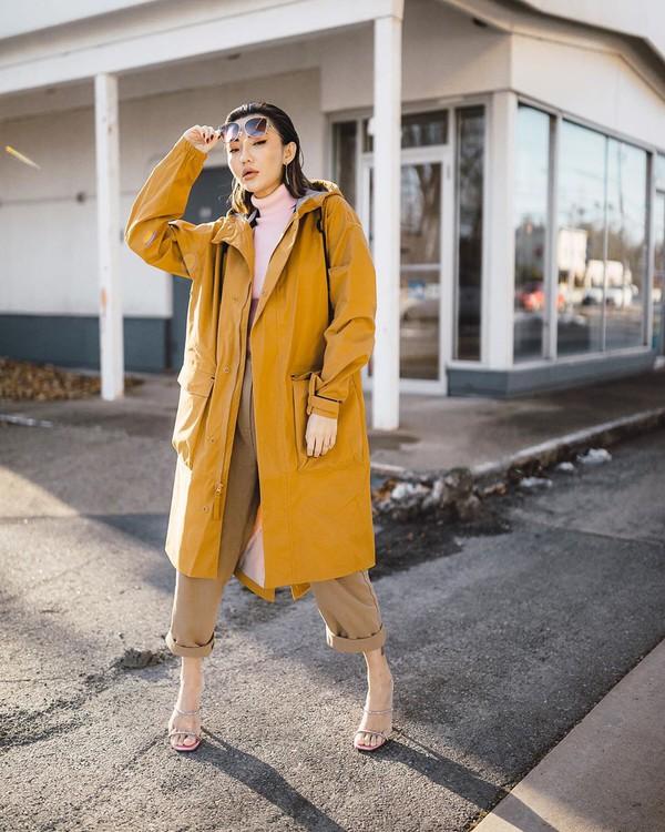 pants high waisted pants sandal heels long coat yellow coat turtleneck coat nike