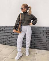 sweater,sweatshirt,prettylittlething,white pants,joggers,white sneakers,platform sneakers,brown bag,louis vuitton bag