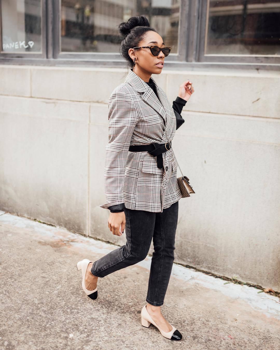 shoes pumps plaid blazer black belt crossbody bag black top black jeans