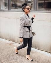 shoes,pumps,plaid,blazer,black belt,crossbody bag,black top,black jeans