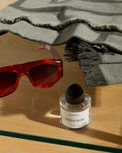 sunglasses,scarf
