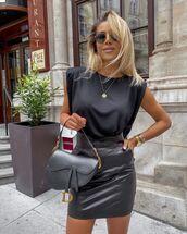skirt,leather skirt,black skirt,black t-shirt,dior bag
