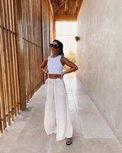 pants,white pants,wide-leg pants,slide shoes,white top,crop tops