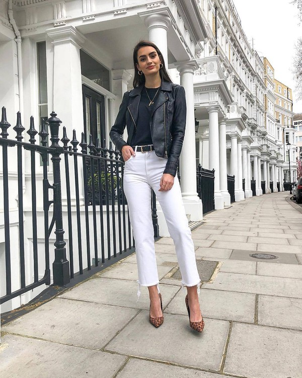 jeans white jeans straight jeans cropped jeans black leather jacket black t-shirt black belt pumps leopard print