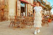the mysterious girl,blogger,t-shirt,skirt,shoes,jewels