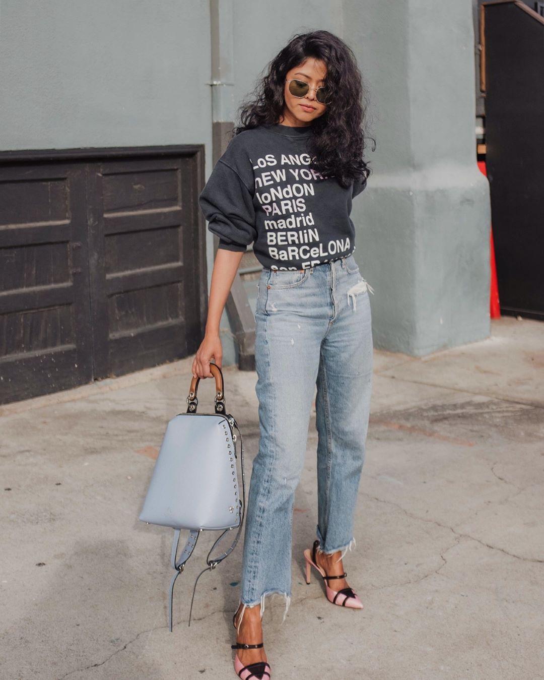top sweatshirt cropped jeans high waisted jeans slingbacks blue bag
