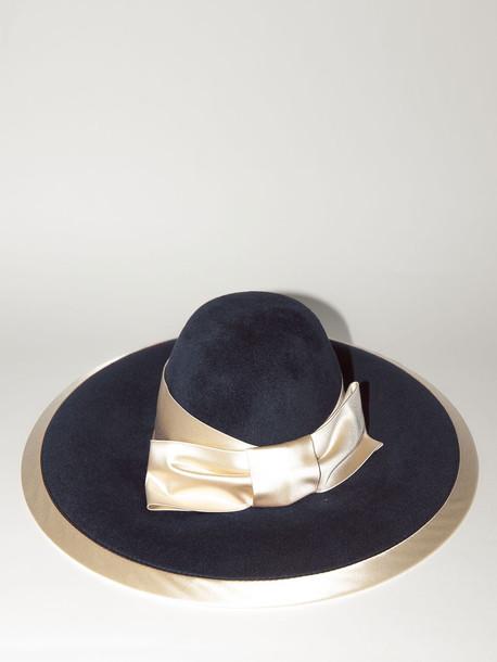 GUCCI Lvr Exclusive Burgundy Rabbit Felt Hat in navy / ivory