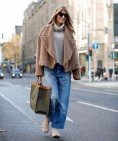 coat,faux fur jacket,wide-leg pants,sneakers,turtleneck sweater