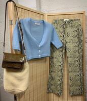 pants,bag,sweater