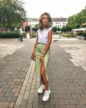 skirt,midi skirt,slit skirt,white sneakers,white t-shirt,bag