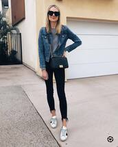 jacket,denim jacket,white sneakers,cropped jeans,black skinny jeans,sweater,black bag,crossbody bag