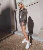 jacket,denim jacket,mini skirt,leopard print,white sneakers,socks,white t-shirt