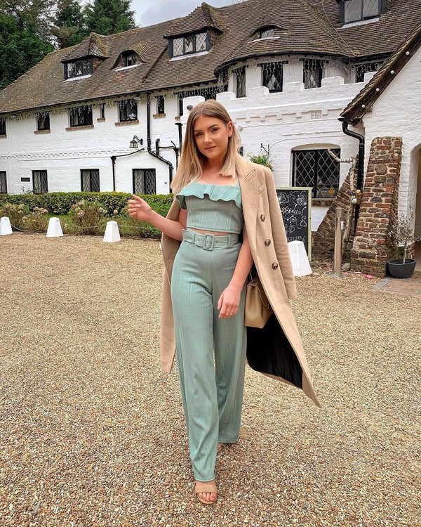 pants wide-leg pants green set crop tops long coat camel coat sandals shoulder bag