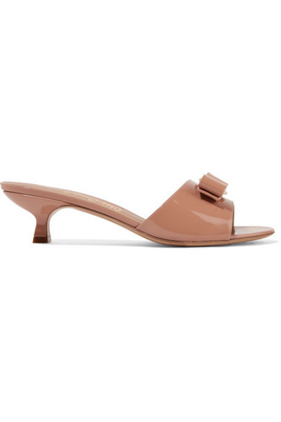 Salvatore Ferragamo - Ginostra Bow-embellished Patent-leather Mules - Blush