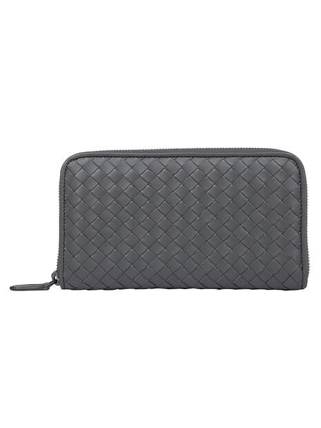 Bottega Veneta Nappa Crossbody Zip Wallet in grey