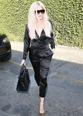 pants,celebrity,all black everything,khloe kardashian,kardashians,shirt