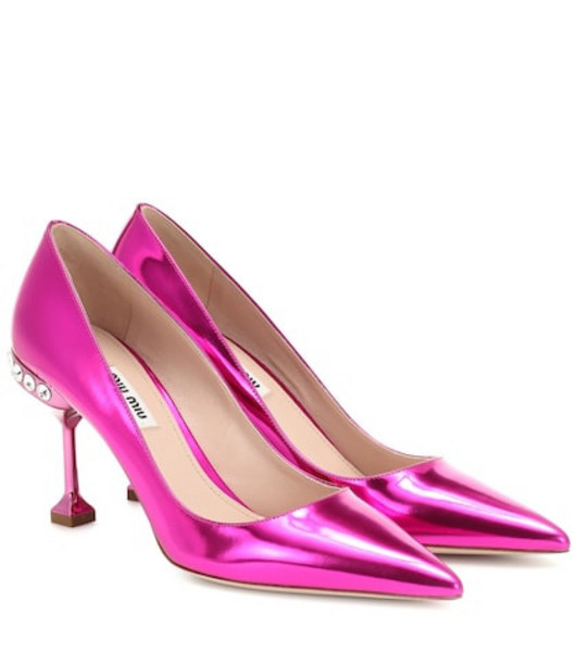 Miu Miu Metallic leather pumps in pink