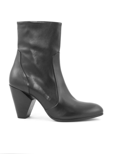 Strategia Black Leather Boots
